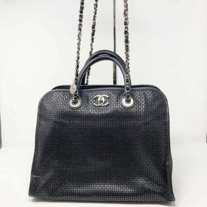 CHANEL in the air leather tote handbag